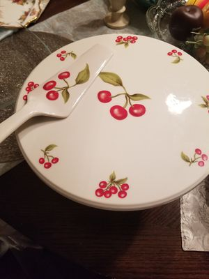 Royal Limited cake plate and server for Sale in Germantown, MD