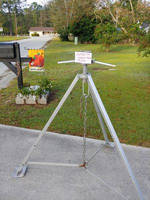 5th wheel nose tripod for Sale in Jacksonville, NC