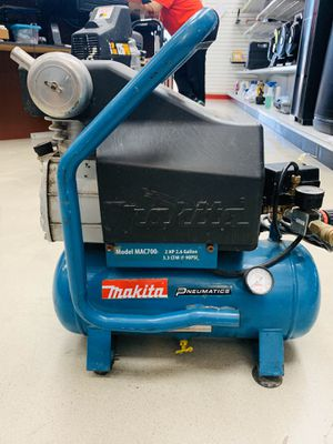 Makita MAC700 Portable Air Compressor for Sale in Houston, TX