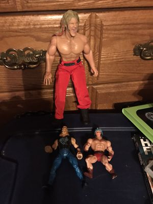 One extra large wrestler with two regular wrestlers for Sale in Wilkesboro, NC