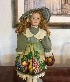"Porcelain doll/ 24"" Collectible Porcelain doll/ Girl toys or collectible for Sale in Brandon, FL"