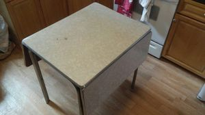 vintage mid century 50's/60's formica drop leaf kitchen table for Sale in Philadelphia, PA