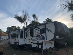 Heartland Cyclone 3800 RV for Sale in Nuevo, CA