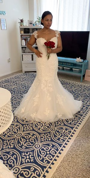 New wedding dress!! Size 12!! for Sale in Gilbert, AZ