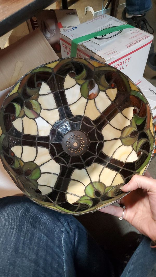 Stained glass lamp shade- No Lamp!