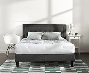 Beautiful upholstered bed frame in great condition for Sale in San Francisco, CA