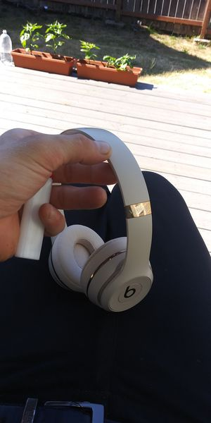 Beats Solo 3 Wireless Headphones for Sale in Tacoma, WA