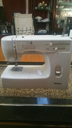 Singer sewing machine for Sale in West Springfield, VA