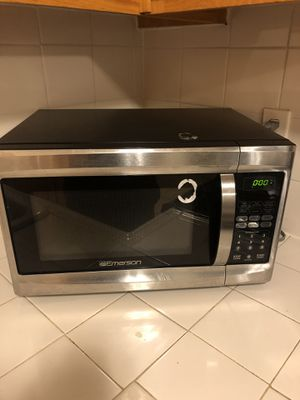 Emerson microwave for Sale in Hawthorne, CA