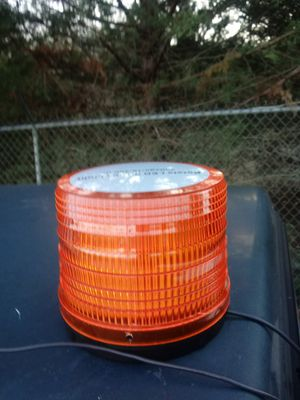 New amber light magnet mount plugs in car lighter for Sale in Strasburg, VA