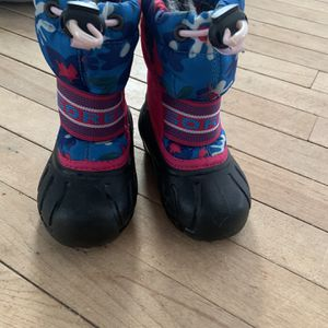 Sorel Toddler Size 6 Snow Boots for Sale in Haverhill, MA