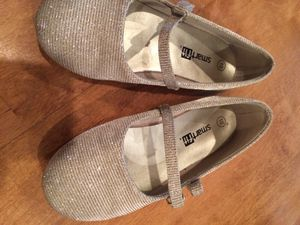 Size 10 gold & silver sparkle shoe for Sale in Chicago, IL