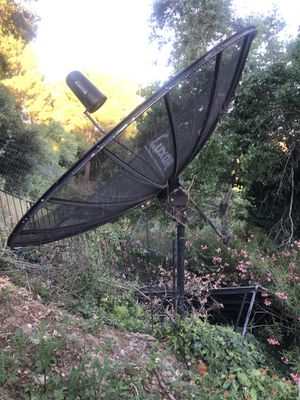 Satellite dish. Free scrap metal. Must take out & pick up for Sale in Valencia, CA