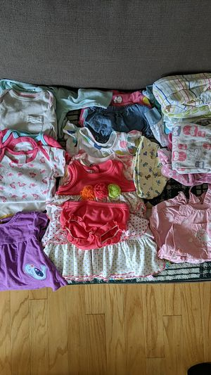 Lot NB & 0-3 month baby girl clothes for Sale in Seattle, WA