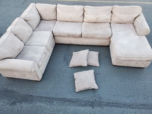 Sectional couch, size 7.5/11.5/5ft for Sale in Seattle, WA