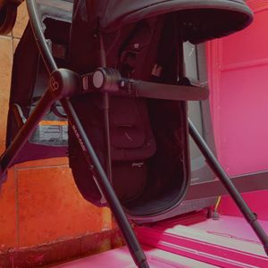Beautiful Stroller 4 In One Stroller You Can Add A Car Seat On It And Kay It Back Or Stand It Up For Toddlers Heavy Duty And Very Good Condition for Sale in Los Angeles, CA