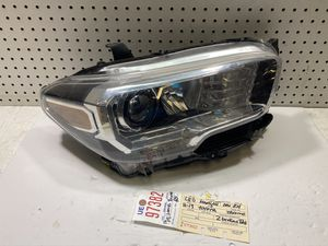 2017 2018 2019 2020 TOYOTA TACOMA RIGHT SIDE LED HEADLIGHT OEM for Sale in Lynwood, CA