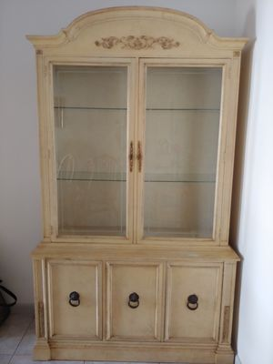Antique China Cabinet for Sale in North Palm Beach, FL