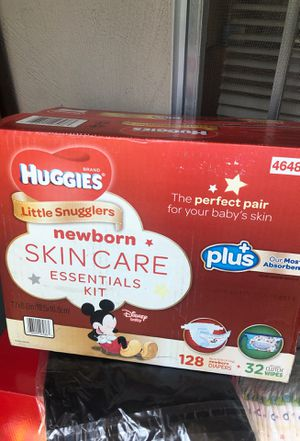 Huggies 128ct plus wipes for Sale in Oakland, CA