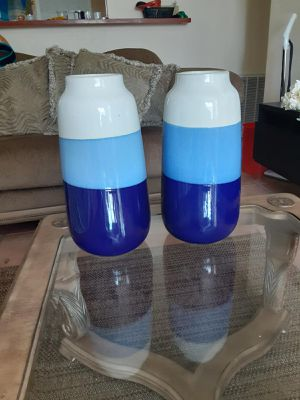 Blue and white flower vases for Sale in Fort Lauderdale, FL
