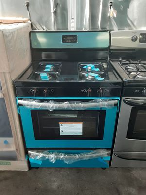 $599 Frigidaire stainless gas stove brand new includes delivery in the San Fernando Valley a warranty and installation for Sale in Los Angeles, CA