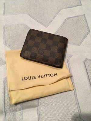 Louis Vuitton Men's Damier Wallet for Sale in Glen Burnie, MD