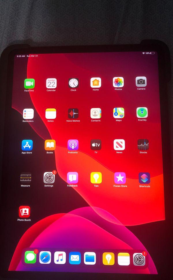 iPad Pro 11-inch w/ small crack