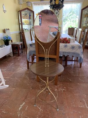 Antique vanity table with mirror for Sale in Miami, FL