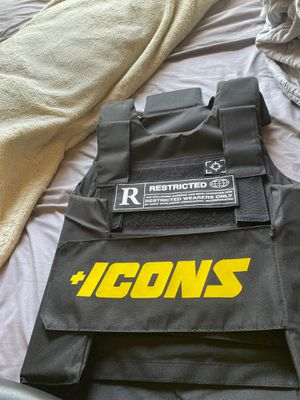 Icons vest for Sale in Fort Lauderdale, FL