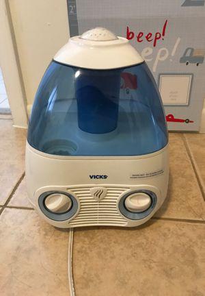 Vick's Humidifier for Sale in Miami, FL
