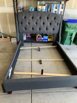 Queen bed head board frame for Sale in Tucson, AZ