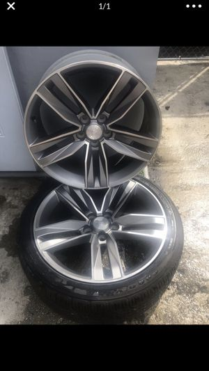 "2018 chevy camaro LT rims 20"" only 2 rims $200 for both rims for Sale in Miami, FL"