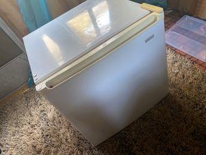 kenmore mini fridge for Sale in Terra Bella, CA