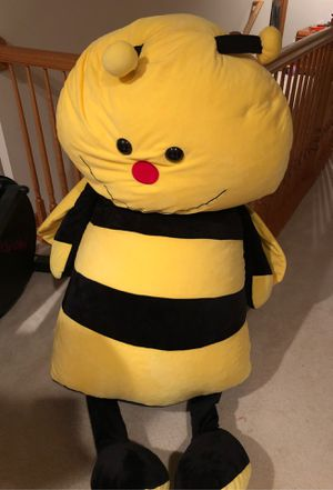 Giant Bee Stuffed Animal for Sale in Burlington, WI