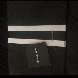 Michael Kors Messenger Bag for Sale in Washington, DC