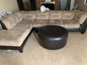 Sectional Couch with ottoman for Sale in Lilburn, GA