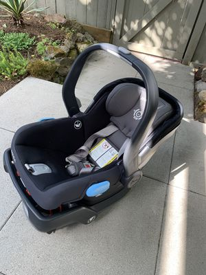 Uppababy Mesa Car seat with Base for Sale in Seattle, WA