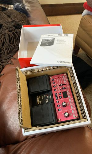 BOSS RC-30 Loop Station. Guitar/bass/vox pedal for Sale in Pittsburgh, PA