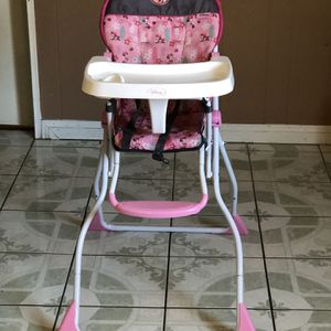 LIKE NEW MINNIE MOUSE BABY HIGH CHAIR for Sale in Riverside, CA