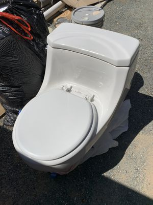 Toilet used for sale for Sale in Clayton, CA