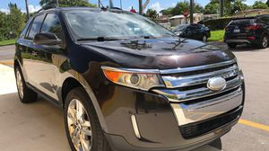 Excellent condition 2014 Ford Edge loaded leather clean title good miles for Sale in Pembroke Pines, FL