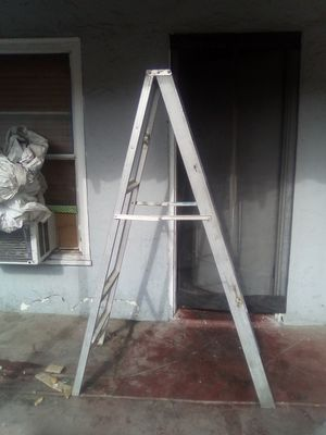 6foot ladder for Sale in Fresno, CA
