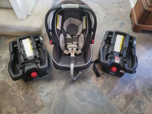 Graco infant carseat, base x2, stroller for Sale in Murrieta, CA