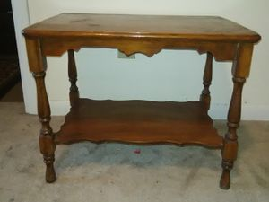 "Lamp table 20"" long 16"" wide 17"" tall for Sale in Wichita, KS"