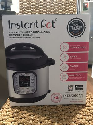 Instant Pot 6 quart 7 In 1 Multi Programmable with Advanced Microprocessor for Sale in Mill Creek, WA