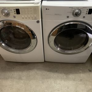 LG Front Loading Stackable Washer And Dryer for Sale in Long Beach, CA