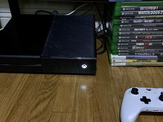 Xbox One w/Controller & 22 Games for Sale in San Marino,  CA
