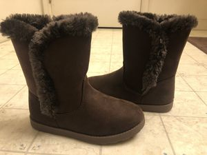 Girls boots for Sale in Visalia, CA
