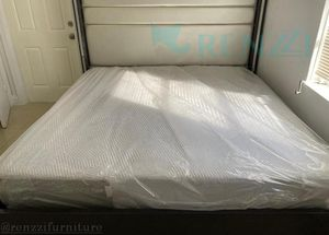 King bed frame luxury edition - - Financing available for Sale in Hialeah, FL