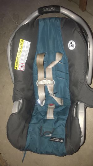 Graco gently used car seat for Sale in Fairview Park, OH